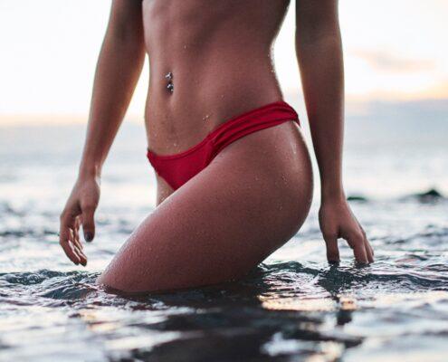 Mujer con cuerpo sin flacidez